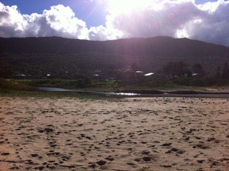 Thirroul beach mountains