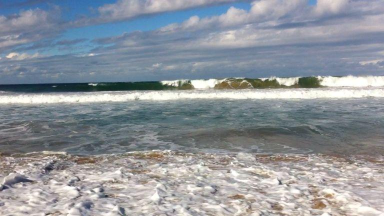 Thirroul Beach waves
