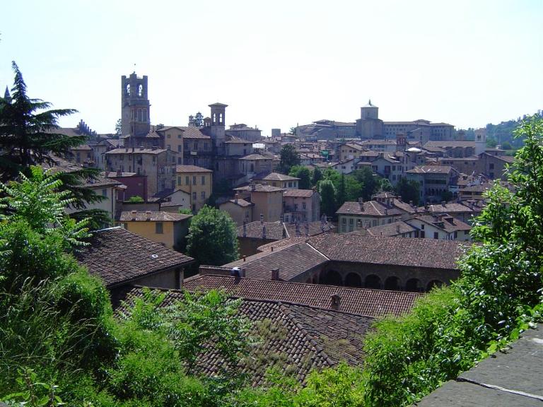 Bergamo, Città_alta, by Trabert.